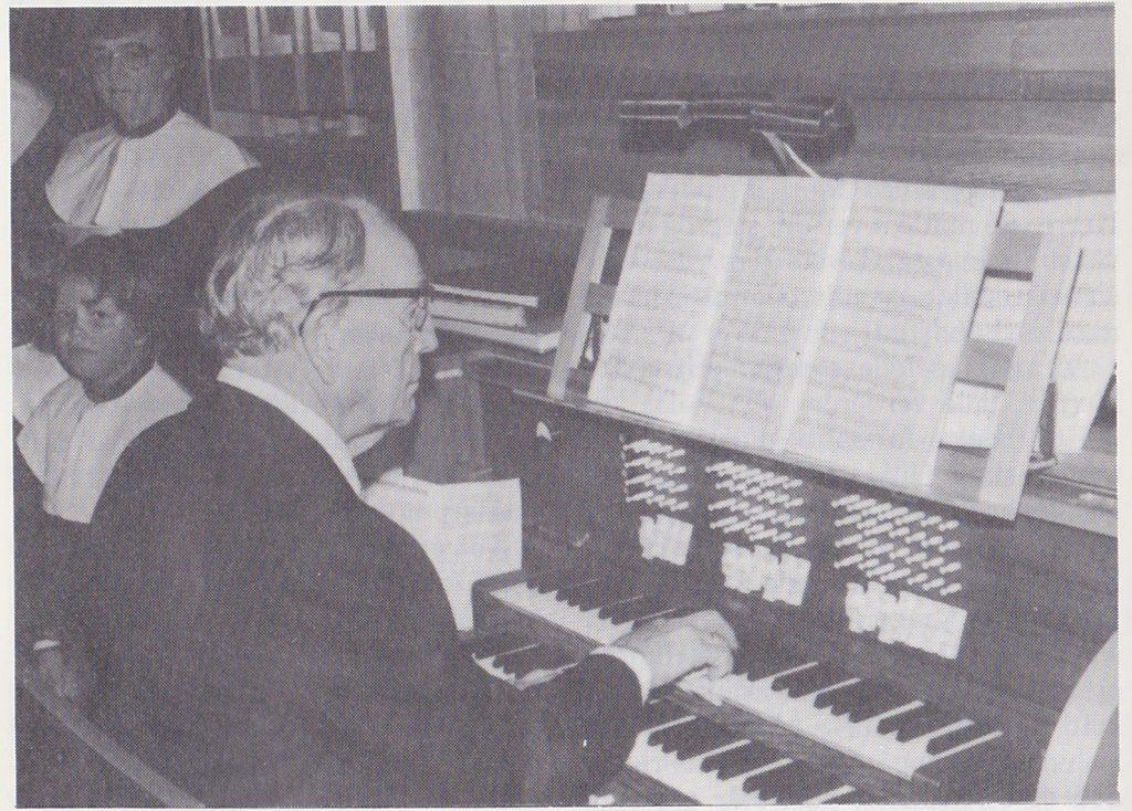 Helge Tuhus 47 år som organist